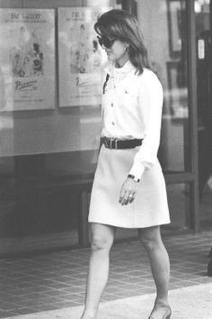 Jackie Kennedy Onassis, 1970     ♥❃❋✽✾❀❃♥       http://en.wikipedia.org/wiki/Jacqueline_Kennedy_Onassis