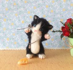 Needle felted cat by FeltTale