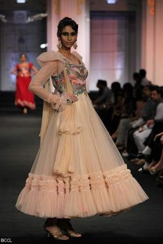 #Aamby Bridal Fashion Week 2012 | Anjalee and Arjun Kapoor