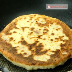 Turte cu șuncă și cașcaval- o rețetă adaptată din caietul bunicii, este extrem de gustoasă! - savuros.info Pizza, Recipes, Food, Recipies, Essen, Meals, Ripped Recipes, Yemek, Cooking Recipes
