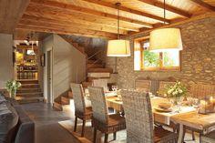 dining room // Antes un viejo pajar, hoy un luminoso refugio · ElMueble.com · Casas
