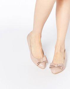 Pin for Later: 65 flache Schuhe für die Braut, die Komfort bevorzugt  Glamorous Lack-Ballerinas mit Zierschleife, in Hellrosa (26 €)
