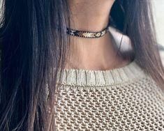 Diy Jewelry, Beaded Jewelry, Jewelry Necklaces, Jewelry Design, Beaded Choker Necklace, Beaded Rings, Earrings, Nail Logo, Brick Stitch