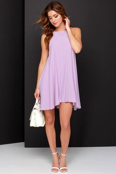 A sunny weekend filled with picnics in the park, calls for the breezy Mink Pink Apron Lavender Swing Dress! Woven material shapes a sleeveless swing dress. Short Lavender Dress, Lavender Dresses, Lilac Dress, Grad Dresses Long, Short Dresses, Loose Dresses, Apron Dress, Dress Skirt, Mode Outfits