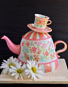 Teapot cake by anna savenko (sVeshti4ka), via Flickr. Tina what do you think of this?