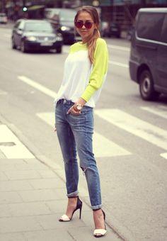 Boyfriend jeans, slouchy sweater & heels