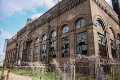 The former New Orleans Public Service Power Plant also known asMarket Street Power Plant is an early 20th century power plant in New Orleans, Louisiana. It is located along the Mississippi River j…
