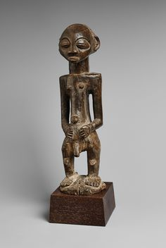 Democratic Republic of the CongoA LUBA MALE FIGURE, Auction 1054 African and Oceanic Art, Lot 79