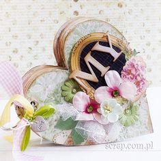amazing album for wedding aniversary   http://inspiracje.scrap.com.pl/2015/06/11/mini-album-o-wielkiej-milosci/
