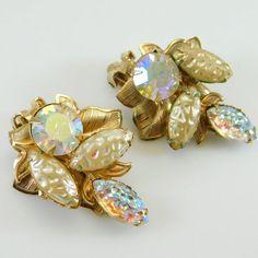 Leaf Jewelry, Bird Jewelry, Art Deco Jewelry, Bridal Jewelry Vintage, Vintage Costume Jewelry, Vintage Earrings, Prom Jewelry, Rhinestone Earrings, Vintage Rhinestone