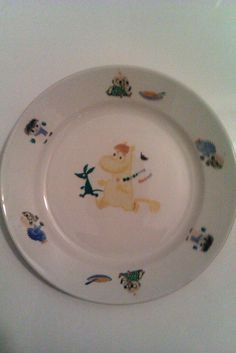 Moomin plate by Arabia from the childhood. Still have it in my treasures. Moomin, Decorative Plates, Uppsala, Sculpture, Ceramics, Tableware, Glass, Childhood, Vintage
