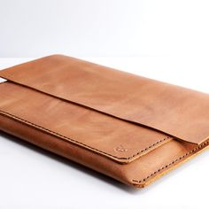 HANDMADE LEATHER MACBOOK PRO SLEEVE // LIGHT BROWN by Capra Leather