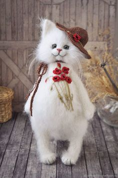 Knitted cat woth embroidered poppies – shop online on Livemaster with shipping Knitted Cat, Knitted Animals, Needle Felted Animals, Felt Animals, Needle Felting, Felt Crafts Patterns, Cat Amigurumi, Rabbit Art, Cat Decor