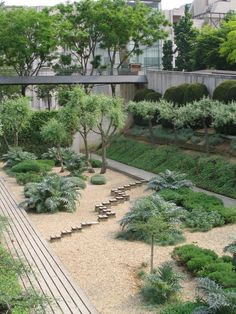 Parc André Citroën I've entire LIST of Parisian parks I intend to see before I die; this is just one of them.  V