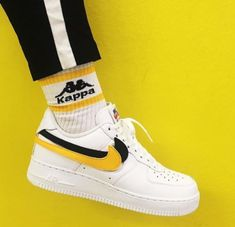 Fancy Shoes, Pretty Shoes, White Sneakers, Sneakers Nike, Dream Shoes, Custom Shoes, Sock Shoes, Shoe Game, Summer Outfits