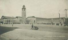 Postikortti kuva Helsingin rautatieasemasta 1920-luvun alkupuolelta