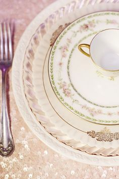 dream place setting/mismatched china plate rentals/house of flower