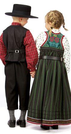 Rygg Folk Clothing, Folk Costume, Fashion Dolls, Norway, Needlework, Embroidery, Traditional, Barn, Couture