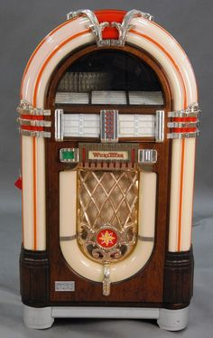 Reproduction jukebox with records, model OMT, type MB20/16 OMT - Realized Price: $1,652.00