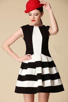 Black White Striped Sleeveless Pockets Dress