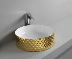 ROMBO designed by Meneghello Paolelli Associati #gold #washbasin #bathroom #oro #bagno
