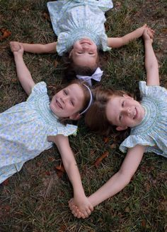 3 sisters pictures, matching outfits, famili, bays, friend photos, friend pictures, a picture of best friends, kid, holding hands