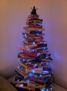 Make a Christmas Book Tree! Book Christmas Tree, Christmas Presents For Friends, Book Tree, Christmas Makes, Xmas Tree, Christmas Crafts, Christmas Decorations, Holiday Decor, More Pictures