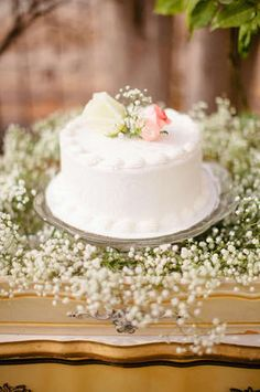 Healthy Snacks For Your Wedding Day Round Wedding Cakes Wedding - Best Wedding Cake Songs