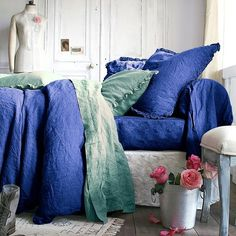 comfy beds with European down pillows. Comfy bedding and bed. Bedroom Retreat, Dream Bedroom, Master Bedroom, Linen Bedroom, Bedroom Decor, Bedroom Ideas, Dark Furniture, Mode Blog, Yurts