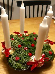 #adventsljusstake #gabriel #juldekoration #christmas #jul #ljusmanschetter #mossa Tree Skirts, Gabriel, Christmas Tree, Table Decorations, Holiday Decor, Home Decor, Teal Christmas Tree, Archangel Gabriel, Decoration Home