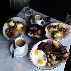 Brunch is my happy place. My Happy Place, Yummy Food, Places, Instagram Posts, Meals, Delicious Food, Lugares