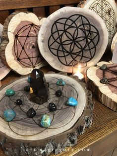 Diy Home Crafts, Wood Crafts, Crystals And Gemstones, Stones And Crystals, Witch Store, Witch Spell Book, Spiritual Decor, Witchcraft Supplies, Wiccan Spells