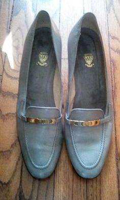 3602d4f4e Pr Womens  Gucci Gray Classic Leather Loafers. 39AA  fashion  clothing   shoes