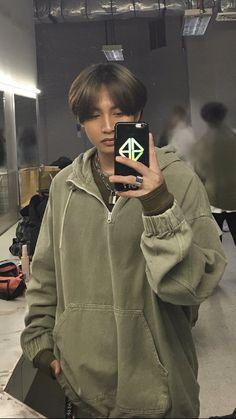 Korean Entertainment Companies, Lee Jung Suk, Blackpink Lisa, Pinoy, Aesthetic Photo, Boy Groups, Leather Jacket, Boys, Bts Jungkook