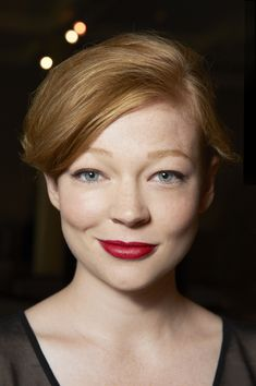 sarah snook Emily Foxler, Sarah Snook, Wedding Hairstyles, Cool Hairstyles, Stunningly Beautiful, Beautiful Smile, Beautiful People, Red Hair Color, Beauty Trends