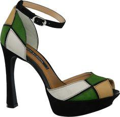 tendências em estampas [sapatos]  Marca: Cravo  Foto fornecida pela assessoria de imprensa da marca.