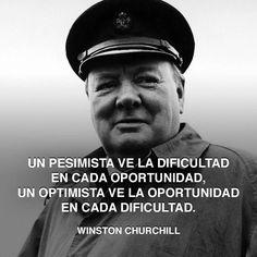 « Un pesimista ve la dificultad en cada oportunidad, un optimista ve la oportunidad en cada dificultad. » - Winston Churchill #winston #oportunidad #churchill http://www.pandabuzz.com/es/cita-del-dia/winston-churchill-oportunidad