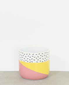 Macetero de cerámica - Ponlo sobre una mesa baja o un estante de pared para dar un toqu... Painted Plant Pots, Painted Flower Pots, Clay Crafts, Diy And Crafts, Cup Decorating, Pottery Painting Designs, Ideias Diy, Succulent Pots, Terracotta Pots