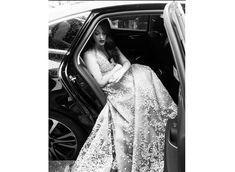 Aishwarya Rai Bachchan dazzles in gold at Cannes 2016 Deep Red Lips, Aishwarya Rai Bachchan, Steven Spielberg, Winged Eyeliner, Elie Saab, Cannes, Gold, Fashion, Moda