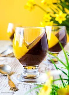 Pannacotta on herkullinen ja siinä mielessä huoleton jälkiruoka, että sen voi valmistaa jääkaappiin jo tarjoilua edeltävänä päivänä. White Wine, Red Wine, Something Sweet, Wine Glass, Alcoholic Drinks, Bakery, Food And Drink, Mango, Sweets