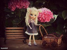 Les poupées de Krystal: Dilys et les hortensias