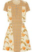Suno printed cutout cotton dress on Net a Porter (April 'Folkloric motif' set against a feminine hydrangea print. Beige Dresses, Cotton Dresses, Fitted Dresses, Fashion Fabric, Fashion Prints, Diy Fashion, Fashion Beauty, Dress Backs, I Dress