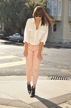 Resultado de imagem para light pink pants outfit