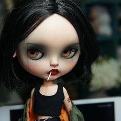 Blythe ✿✿✿ Gothic Dolls, Doll Makeup, Digital Art Girl, Creepy Dolls, Dark Fantasy Art, Little Doll, Custom Dolls, Ball Jointed Dolls, Doll Face