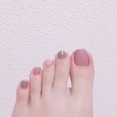 toenails, summer toenails toenail designs for summer, simple pedicures, hot toenails 2019 Hair And Nails, My Nails, Manicure And Pedicure, Pedicures, Toenail Art Designs, Korean Nails, Summer Toe Nails, Feet Nails, Minimalist Nails