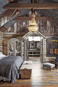 Most Beautiful Rustic Bedroom Design Ideas. You couldn't decide which one to choose between rustic bedroom designs? Are you looking for a stylish rustic bedroom design. We have put together the best rustic bedroom designs for you. Find your dream bedroom. Farmhouse Bedroom Decor, Farmhouse Interior, Country Farmhouse Decor, Home Decor Bedroom, Rustic Decor, Farmhouse Style, Bedroom Ideas, Bedroom Rustic, Bedroom Furniture