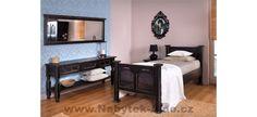 Rustikální ložnice v netradiční barvě