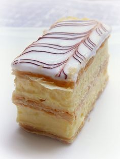 The transatlantic kitchen: Recipe 5 - Vanilla Slice Small Desserts, Easy Desserts, Dessert Recipes, Elegant Desserts, Aussie Food, Australian Food, Custard Slice, Baking Recipes, Custard Recipes