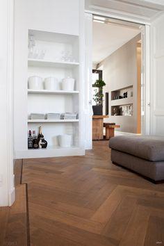 Visgraat parket | stoer formaat | 12 x 60 cm | gerookt | witte olie | ensuite herenhuis | BVO Vloeren // MY FLOOR  -  _ BED COLOR  I think ..