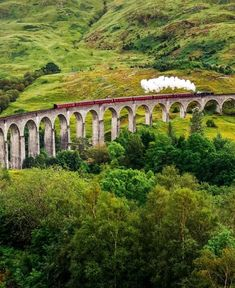 Steam train on a famous Glenfinnan viaduct, Scotland | 19 Reasons Why Scotland Must Be on Your Bucket List. Amazing no. #12